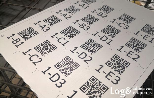 Grabados realizados con la tinta en su interior tras la limpieza