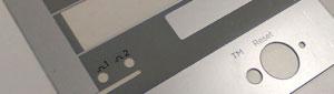 Fabricamos carátulas de policarbonato adhesivas
