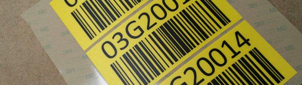 Etiquetas de policarbonato adhesivas con código de barras indicaciones del almacenaje en suelo
