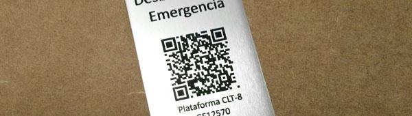Placa metálica adhesivas en aluminio anodizado con código Qr personalizado
