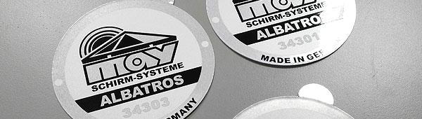 Etiquetas metálicas de aluminio numeradas, combinación serigrafía y digital