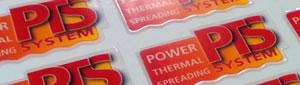 Fabricamos etiquetas de policarbonato adhesivas