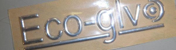 Fabricamos tipografías de aspecto metálico en pvc adhesivo. Indicadas para exterior. Adhesivo doble cara gran adherencia