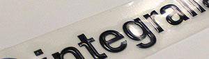 Fabricamos Logotipos 3d adhesivos con acabado de resina