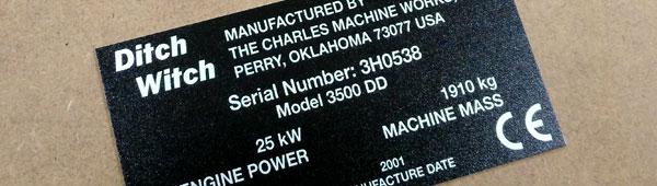 Opción de personalización de placa metálica de aluminio por impresión digital indeleble con barniz UV