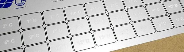 Placa aluminio anodizado impresa digitalmente y personalizada con datos variables por grabado laser