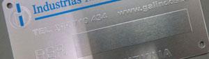 Fabricante de placas de aluminio grabadas