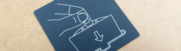 Fabricación de placas metálicas adhesivas