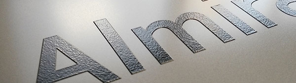 Placa metálica de alumino con impresión digital en relieve